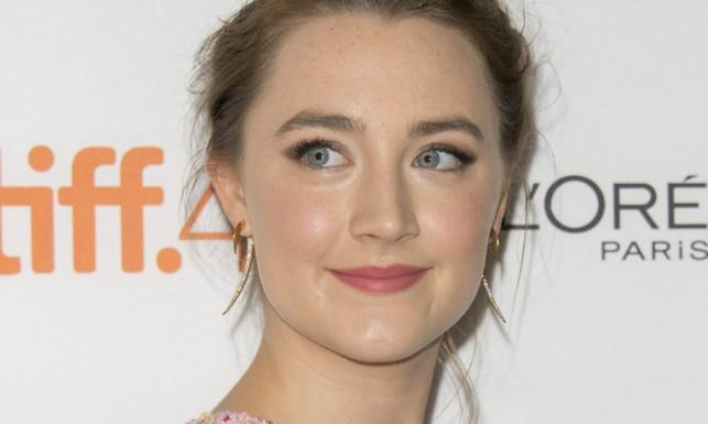 Saoirse Ronan od dziecięcej gwiazdy do zakochanej kobiety [ZDJĘCIA]