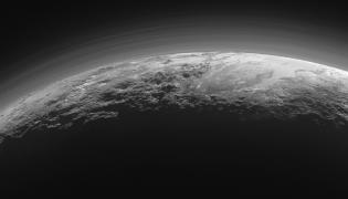 Najnowsze zdjęcia z Plutona wsłane z sondy New Horizons