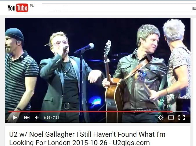Noel Gallagher na scenie z U2