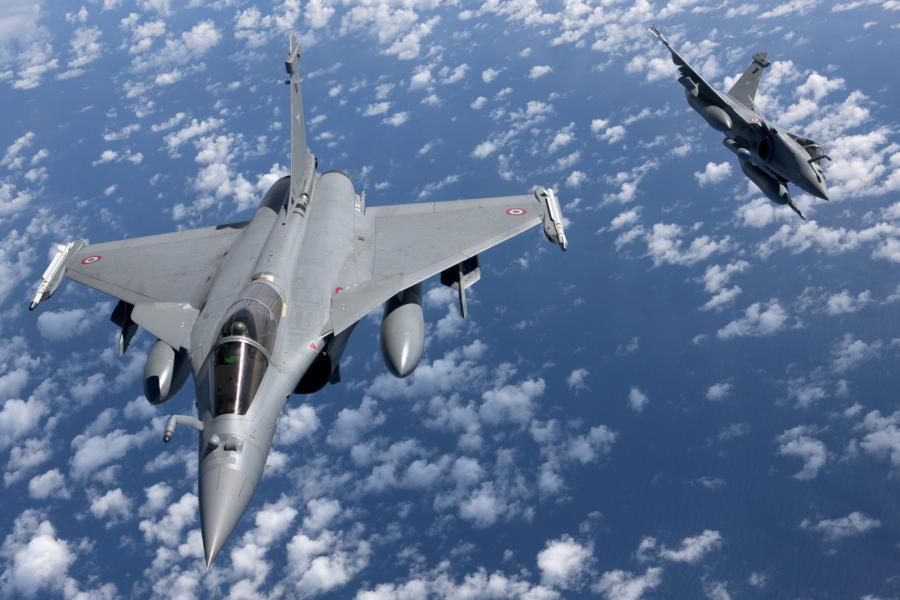 Dwa francuskie myśliwce Rafale