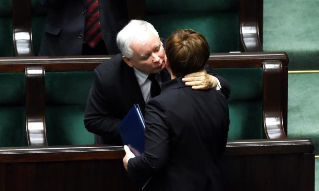 10 najważniejszych OBIETNIC z expose Beaty Szydło. Zobacz ZDJĘCIA z Sejmu