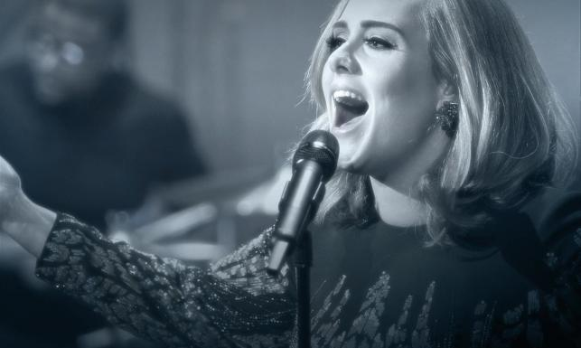 Adele lepsza od Greya, najlepsza ze wszystkich w roku 2015
