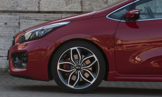Które samochody są najtrwalsze po 100 tys. km? Mercedes i BMW daleko za podium