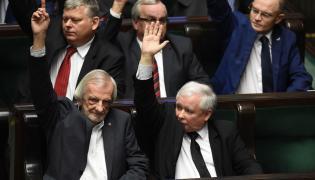 Ryszard Terlecki i Jarosław Kaczyński w Sejmie