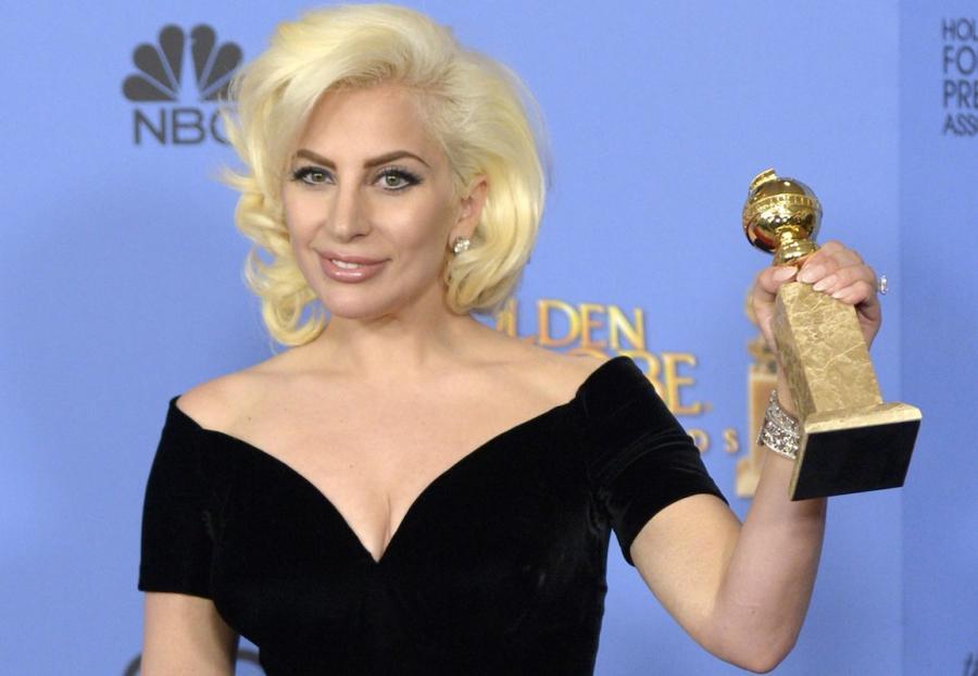 Lady Gaga ze Złotym Globem 2016