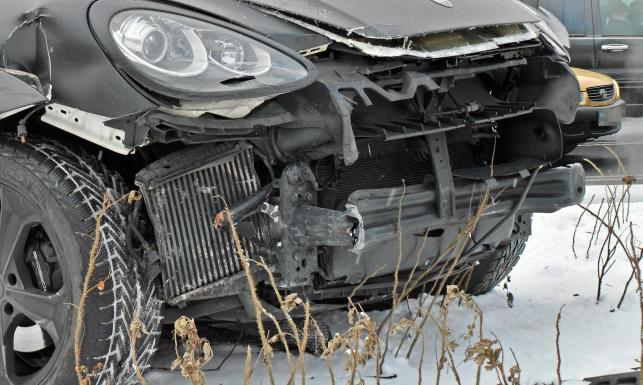 Marina Łuczenko miała wypadek w Warszawie. Porsche Szczęsnego rozbite. ZDJĘCIA