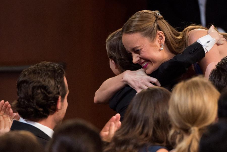 Brie Larson odbiera gratulacje od filmowego synka Jacoba Tremblay\'a