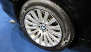 BMW 760Li High Security - opona z systemem PAX