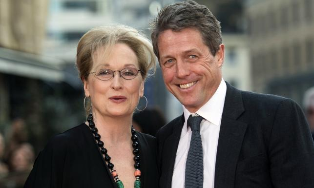 Meryl Streep i Hugh Grant idealnie zgrani. Na ekranie i czerwonym dywanie [ZDJĘCIA]