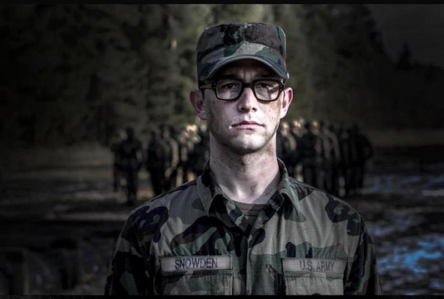 Joseph Gordon-Levitt jako Snowden