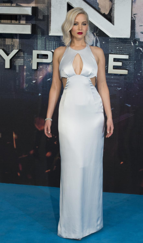 Jennifer Lawrence zwróciła na sobie uwagę nie tylko poprzez odważny dekolt...