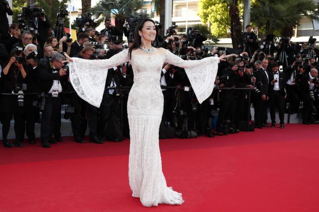 Gong Li na gali otwarcia 69. Festiwalu Filmowego w Cannes