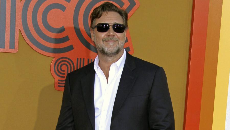"""Russell Crowe na premierze filmu """"Nice Guys. Równi goście"""""""