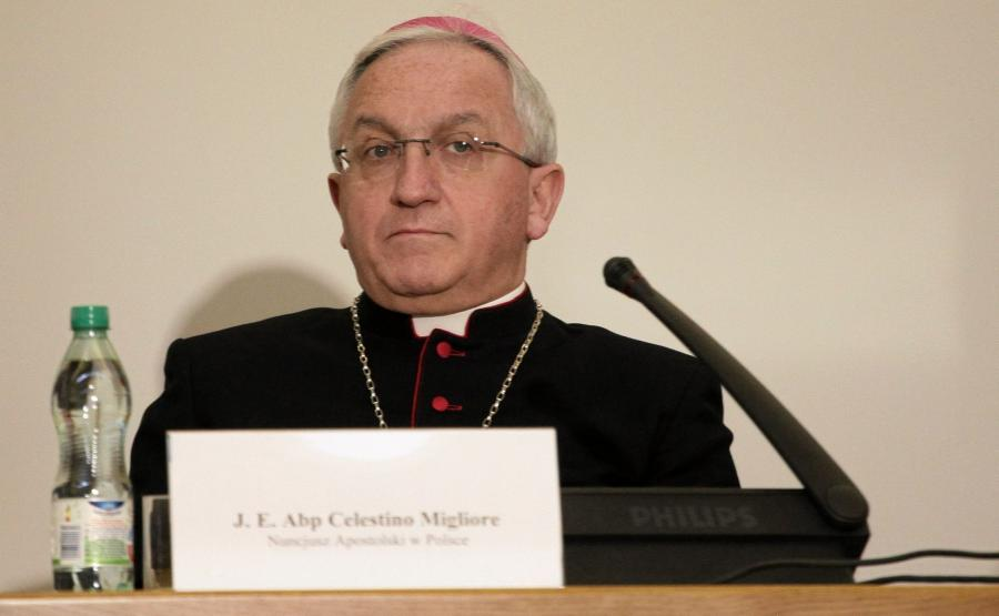 Arcybiskup Celestino Migliore