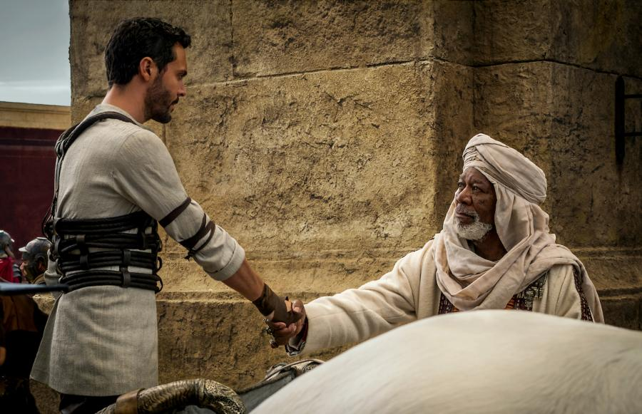 "Jack Huston i Morgan Freeman w filmie ""Ben-Hur"""