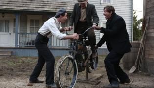 """Scena z serialu """"Harley and the Davidsons"""""""