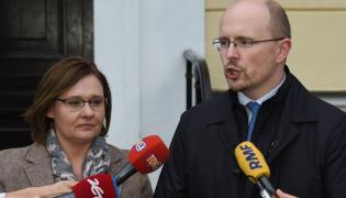 Prezes Ordo Iuris Jerzy Kwaśniewski i Małgorzata Owczarska z Konfederacji Kobiet RP