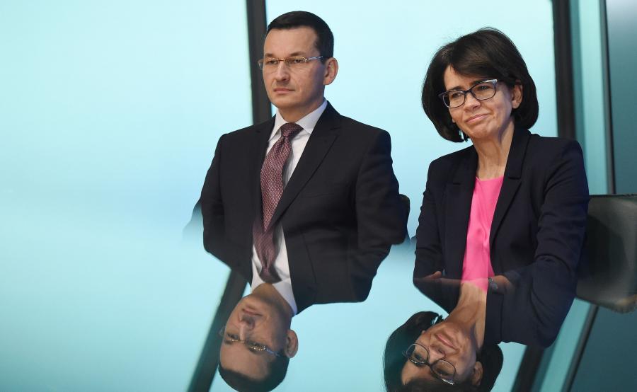 Minister cyfryzacji Anna Streżyńska (P) i wicepremier, minister rozwoju i finansów Mateusz Morawiecki (L)