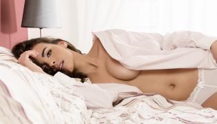 Seksowna kobieta w bieliźnie